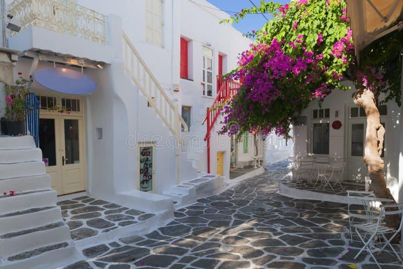 Härliga gator av Mykonos, Grekland royaltyfri fotografi