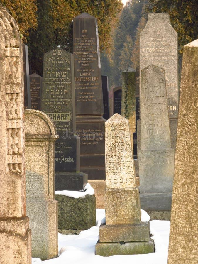 Härliga gravstenar royaltyfri bild