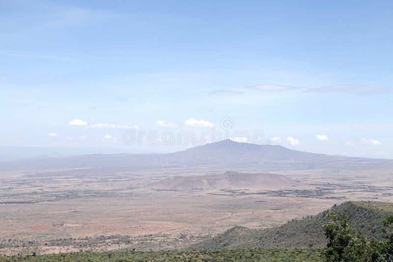 Härliga högar och vulkan för Mt Longonot i Greatet Rift Valley av Kenya arkivfoto
