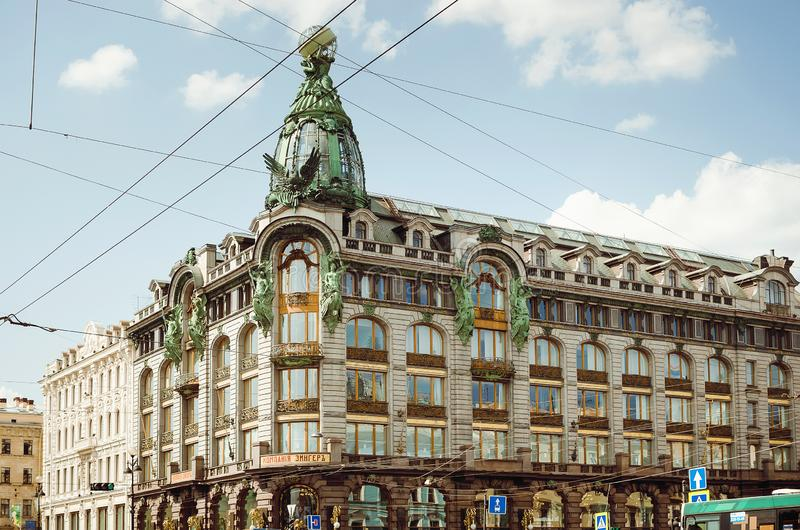 Härliga historiska byggnader av St Petersburg royaltyfri bild