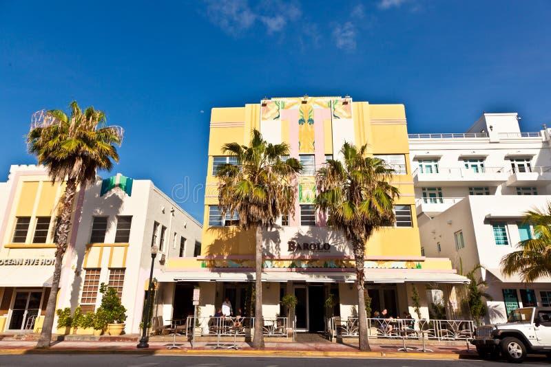 Härliga hus i Art Deco stil royaltyfria bilder