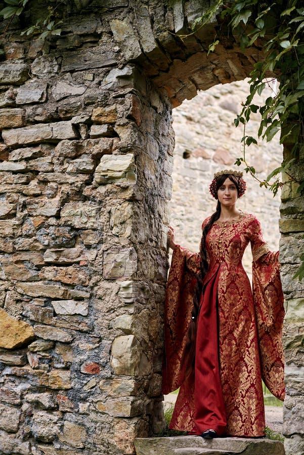 Härliga Isabella av Frankrike, drottning av England på medeltidperiod arkivfoton