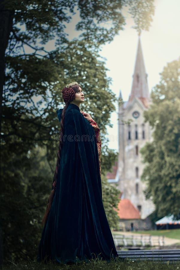 Härliga Isabella av Frankrike, drottning av England på medeltidperiod royaltyfri foto