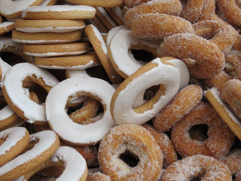 Härliga läckra donuts och mycket goda av stor smak royaltyfri fotografi