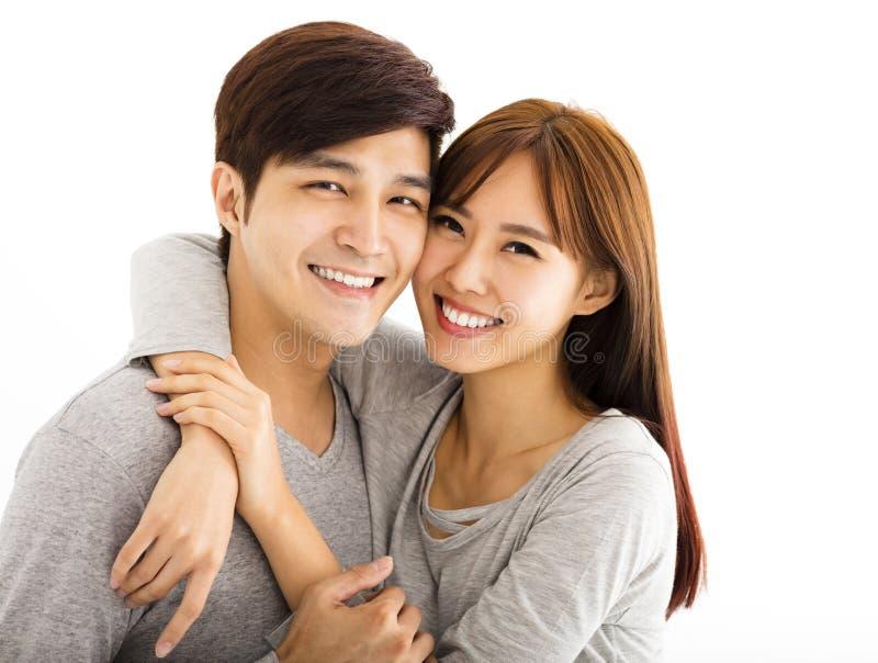 Härliga lyckliga par för Closeup fotografering för bildbyråer