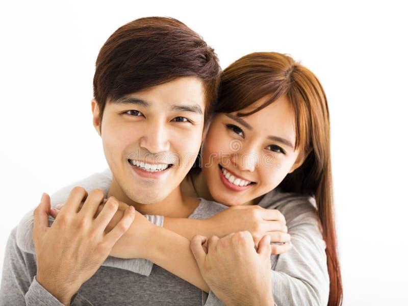 Härliga lyckliga par för Closeup arkivfoto