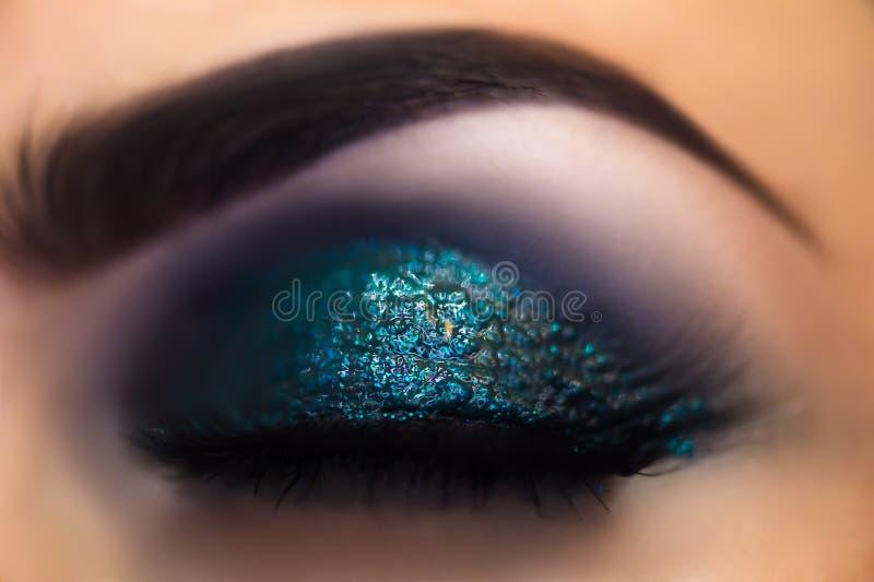 Härliga makeupögon royaltyfria bilder