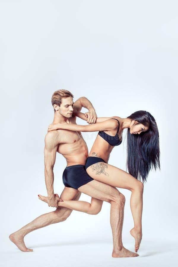 Härliga par av dansare royaltyfri fotografi