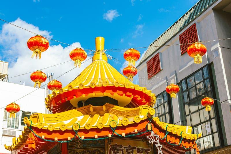 Härliga röda kinesiska lyktor i Nankin Machi, Kobe China stad arkivbilder