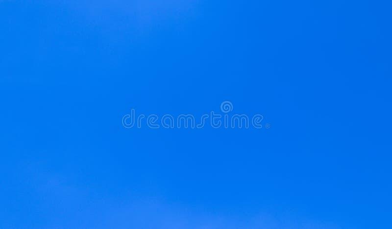 Härligt abstrakt moln och klar för landskapnatur för blå himmel bakgrund och tapet arkivfoton