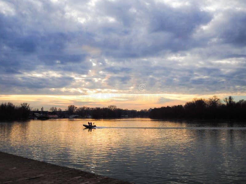 Härligt av floden royaltyfria bilder