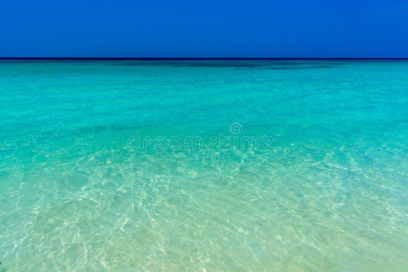Härligt azurt hav, Haad Yao strand, Koh Phangan ö, Suratth arkivfoton