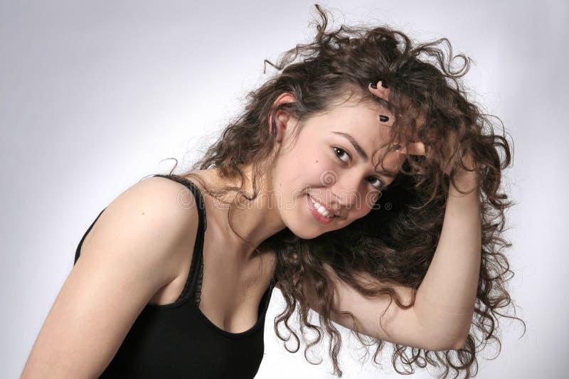 härligt barn för brunettståendekvinna fotografering för bildbyråer