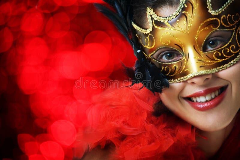 härligt barn för karnevalmaskeringskvinna royaltyfri foto