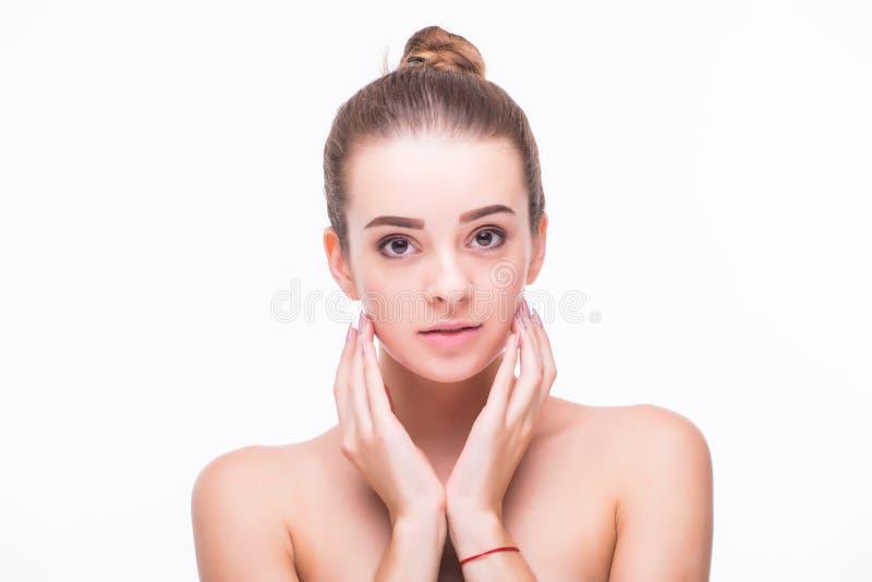 Härligt begrepp för omsorg för hud för skönhet för kvinnaframsidastående Modeskönhetmodell som isoleras på vit arkivfoton