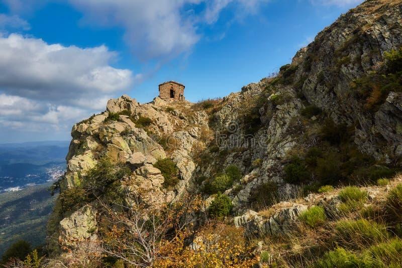 Härligt berg Montseny för en för höstbokträdskog i Spanien, nära Viladrau arkivbild