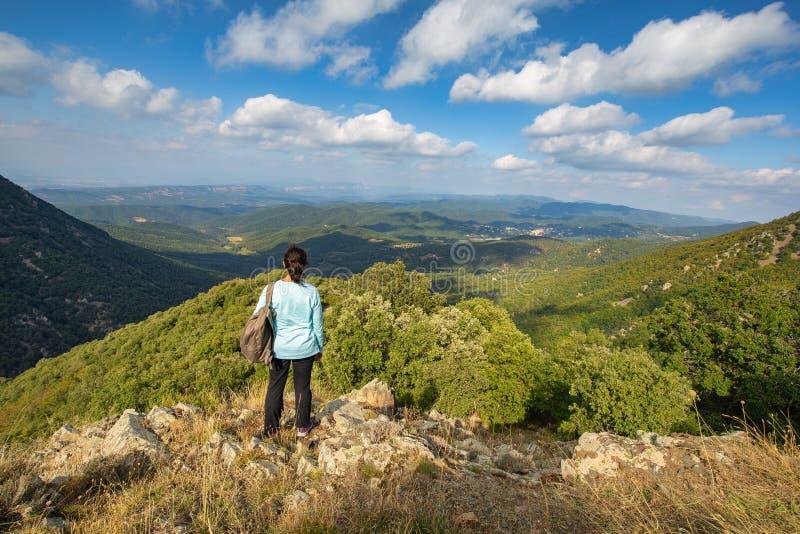 Härligt berg Montseny för en för höstbokträdskog i Spanien, nära Viladrau arkivfoto