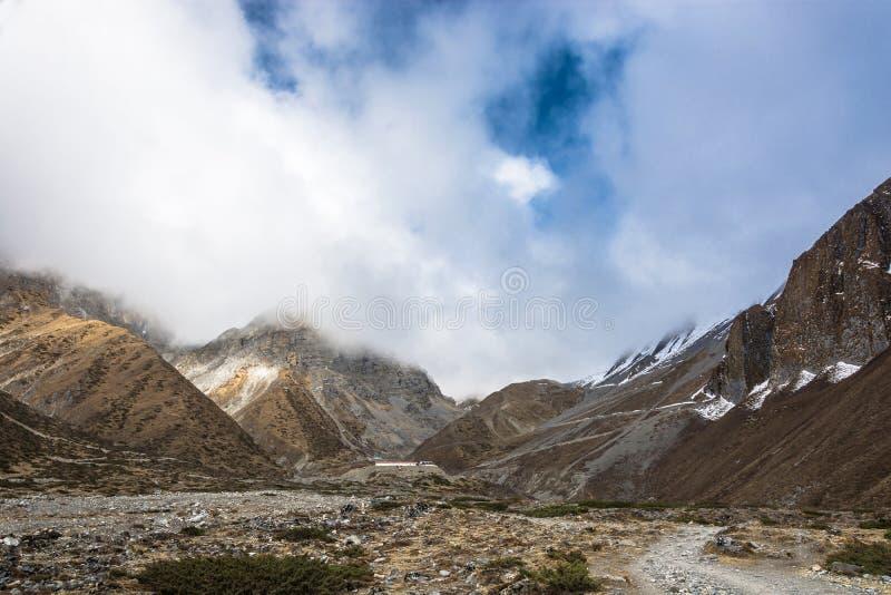Härligt berglandskap i närheten av Muktinath, Nepal arkivfoto