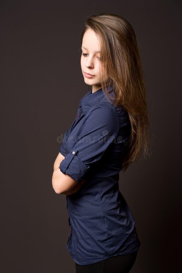 härligt brunettkvinnabarn royaltyfri fotografi