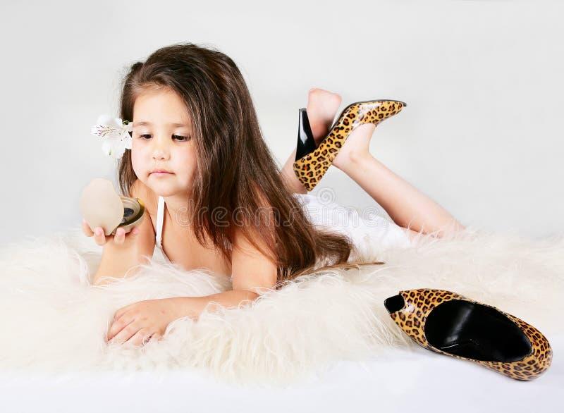 härligt flickahår little long royaltyfri bild