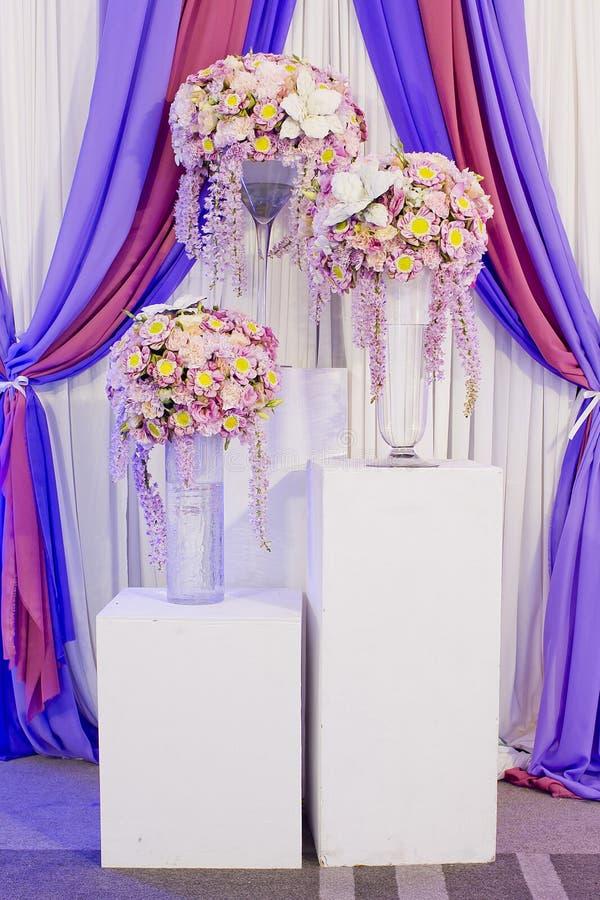 härligt garneringblommabröllop arkivbilder