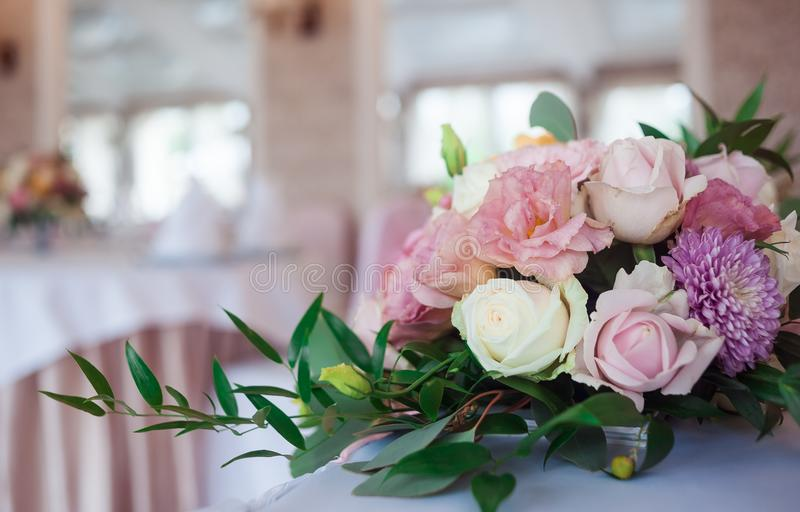 härligt gifta sig för blommor Händelsedekor arkivbild