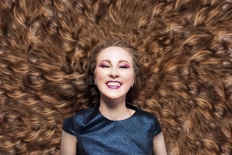 härligt hår E r r royaltyfri bild