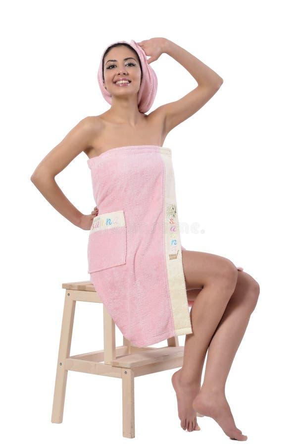 härligt handdukkvinnabarn royaltyfria bilder