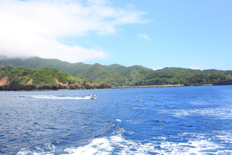 Härligt hav av den Chichijima ön royaltyfria foton