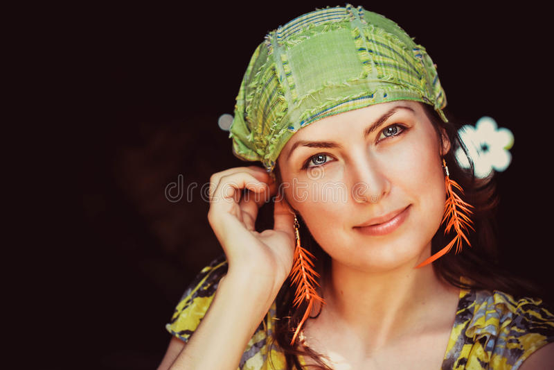 härligt hippiekvinnabarn royaltyfri fotografi