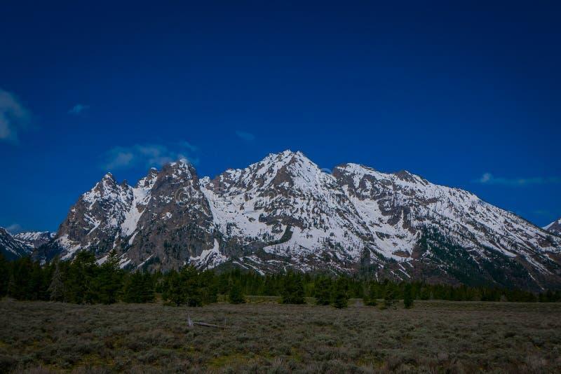 Härligt landskap av det storslagna Tetons området och maxima som lokaliseras inom den storslagna Teton nationalparken, Wyoming, m royaltyfri foto