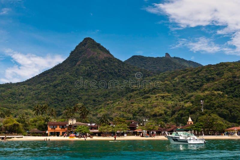Härligt landskap av en tropisk ö royaltyfria bilder