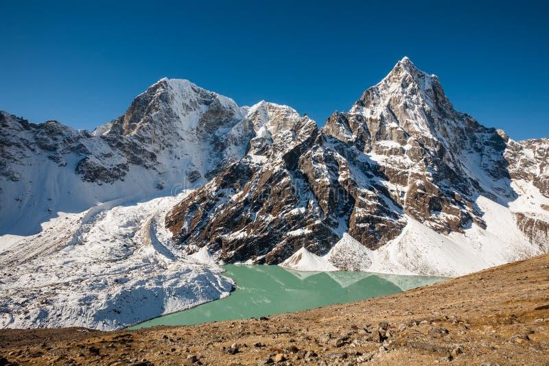 Härligt landskap av Himalaya berg royaltyfria foton