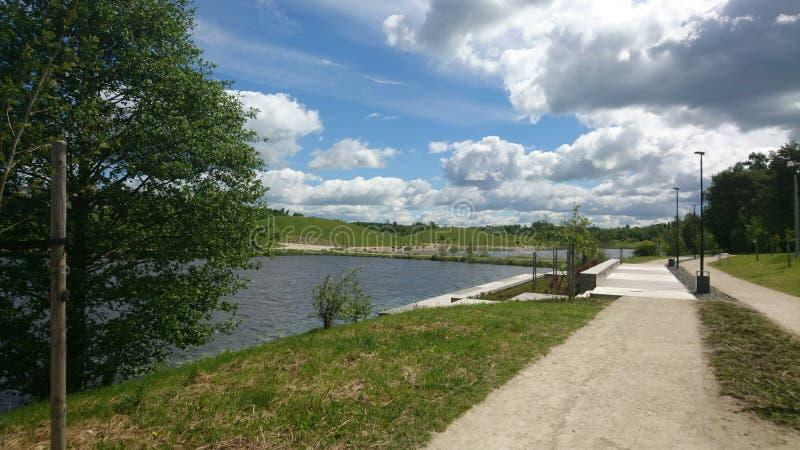Härligt landskap av staden Mazeikiai för Litauen ` s I vår royaltyfria bilder