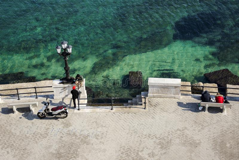 Härligt landskap och panorama med sikten av Adriatiskt havet arkivfoton