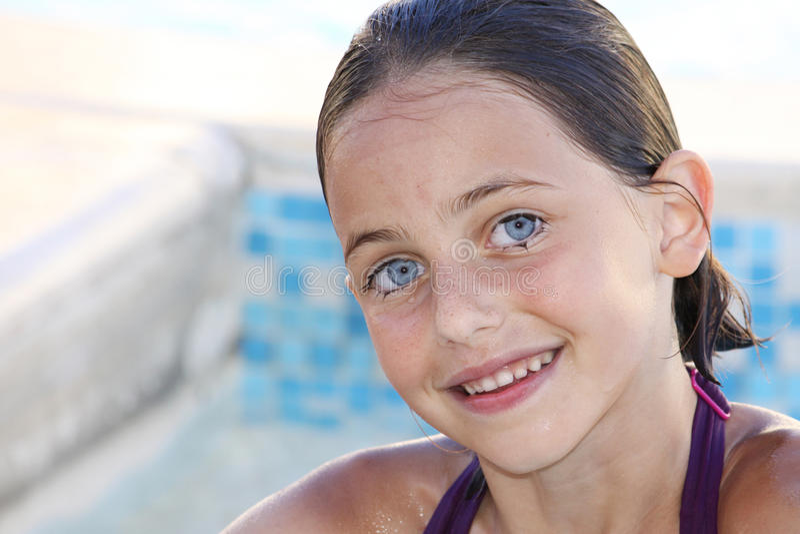 härligt le för barn royaltyfri fotografi