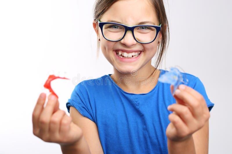 Härligt leende, ortodonti fotografering för bildbyråer