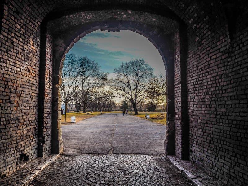 Härligt ljus på slutet av tunnelen arkivfoto