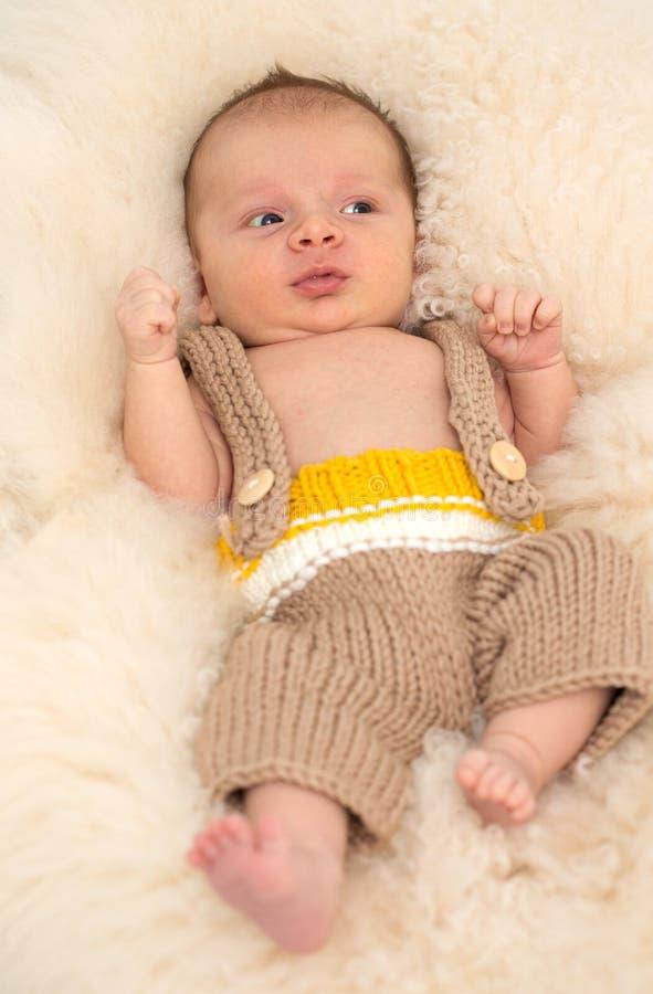 Härligt nyfött behandla som ett barn royaltyfri bild