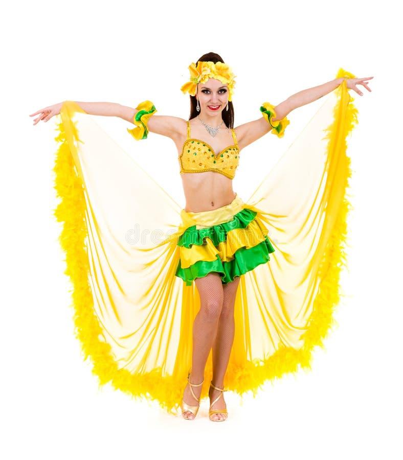 Härligt posera för karnevaldansarekvinna royaltyfri foto