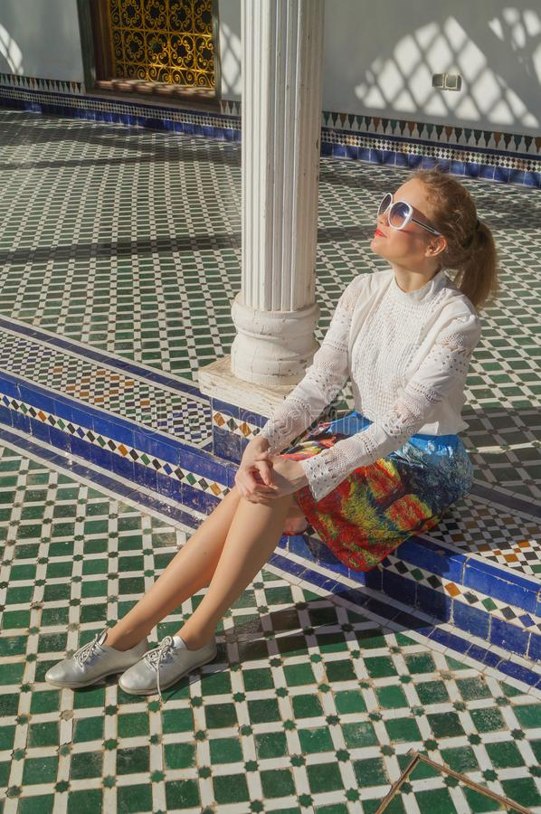 Härligt ryskt flickabesök Bahia Palace i Marrakesh