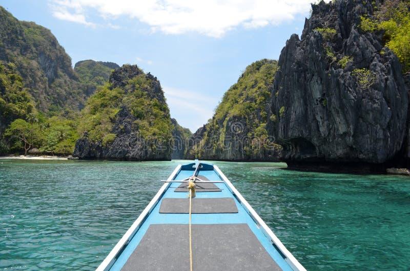 Härligt skott av stor lagun naturliga landskap i El Nido, Palawan royaltyfri foto