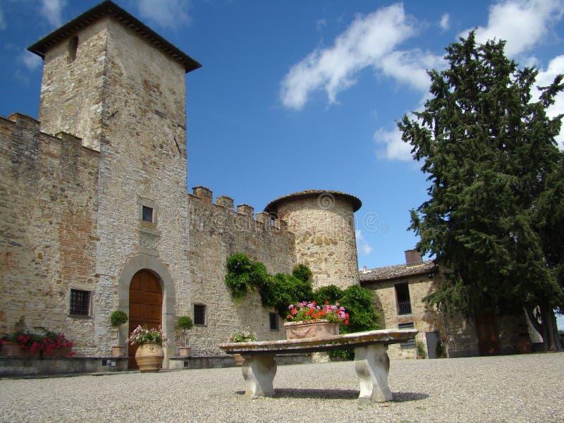 härligt slott tuscany royaltyfria foton