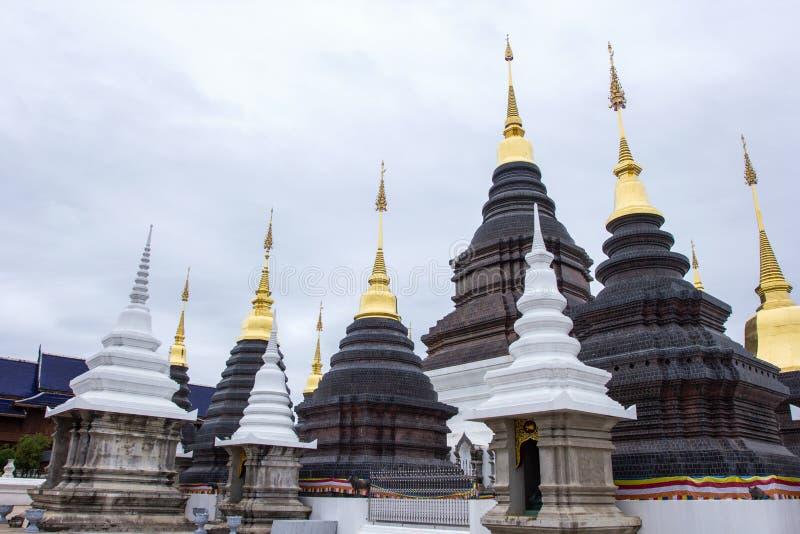 Härligt ställe av dyrkan med religiösa undervisningar i Chiangmai arkivfoto
