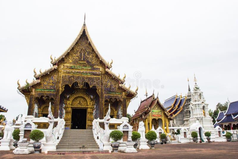 Härligt ställe av dyrkan med religiösa undervisningar i Chiangmai arkivfoton