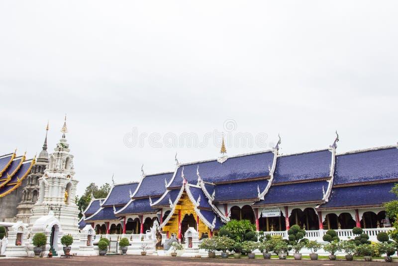 Härligt ställe av dyrkan med religiösa undervisningar i Chiangmai royaltyfri fotografi