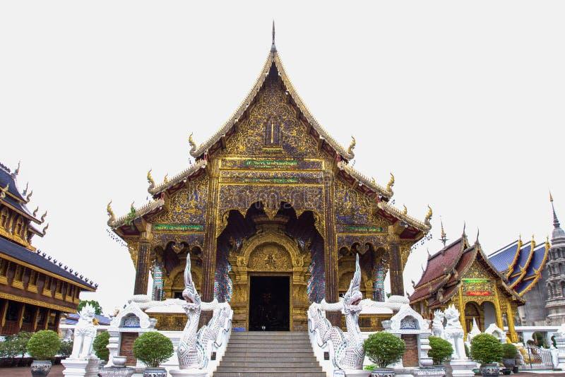 Härligt ställe av dyrkan med religiösa undervisningar i Chiangmai royaltyfria foton