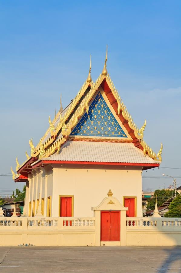Härligt thailändskt buddismtempel royaltyfria foton