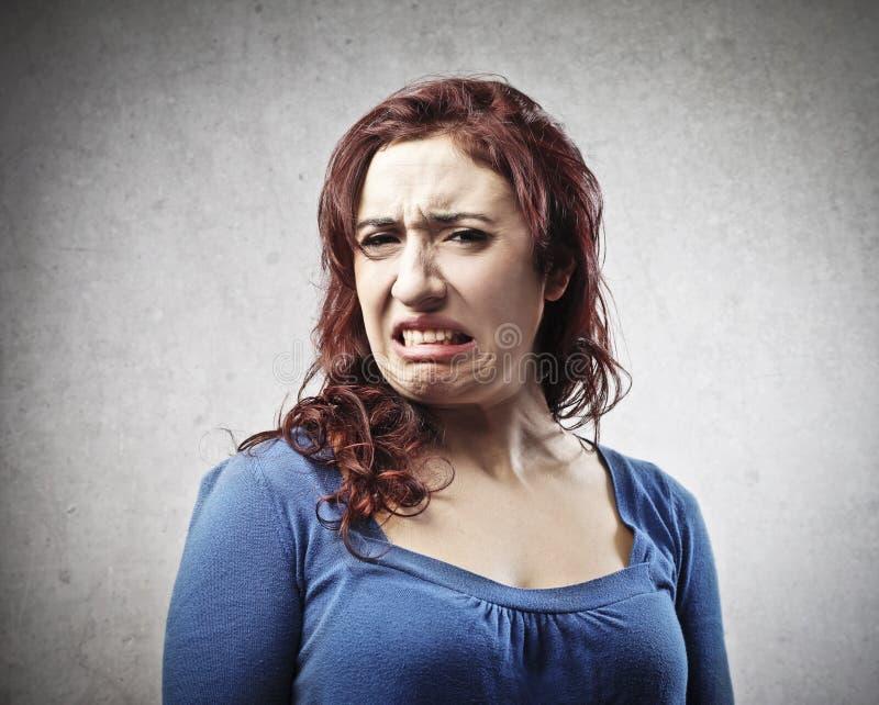 Hässliche Frau stockfoto. Bild von geekelt, verärgert