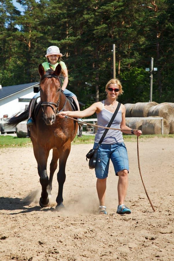 häst little ridning royaltyfri foto